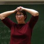 """Juliette COANET - Conférence gesticulée """"J'vous prête ma blouse"""""""