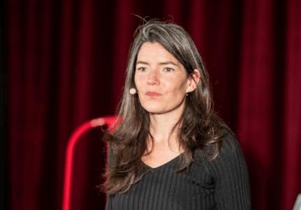 """Gwennyn TANGUY - Conférence gesticulée """"L'Écoféminisme ou Comment ne pas se laisser détruire"""""""